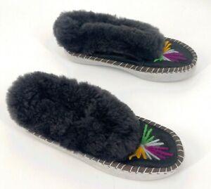Elsa sheepers Women size 41 US 10 handmade slippers sheepskin handmade embroider