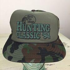 7b0f074bbcf97 BASS PRO SHOPS - Vtg 1994 Hunting Classic Green Camo Mesh SnapBack Trucker  Hat
