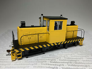 On30 Bachmann #29203 Yellow Whitcomb 50-ton Center Cab Locomotive DCC and Sound!
