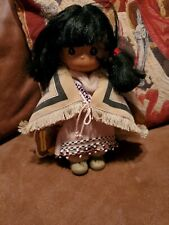 """Precious Moments nahkeen Alaska los niños del mundo Muñeca 9"""" indio navajo Girl"""