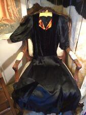 Art Deco 1930's Silk/velvet Dress. Stunning Design. 40x36x48 Length