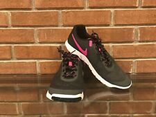WOMEN'S NIKE ATHLETIC SHOES SIZE 10 / BRAND NEW