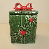 Lefton Green Red Holly Berry Snowflake Bow Christmas Present Canister Lid Japan