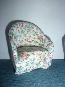 SMALL UPHOLSTERED BOUDOIR CHAIR  - DOLL HOUSE MINIATURE