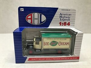 HARTOY AMERICAN HIGHWAY LEGENDS 1/64 SCALE BREYERS ICE CREAM MACK MODEL BM TRUCK