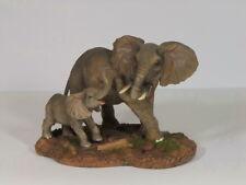 Elefant mit Baby auf Platte Skulptur Deko Garten Tier Figur Afrika Statue
