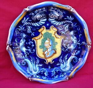 DERUTA Italian Faience Plate Coat of Arms Knight Medallion Dark Blue 18th C A