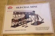 HO Scale-Model Power-316-Old Coal Mine Model Kit-94 Pcs Molded in 4 Colors NEW