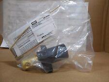 HBLMRBK, Hubbell Single pole male receptacle screw terminal black