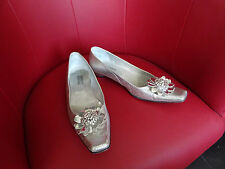 Sublimes chaussures argentées  de la marque Emmanuelle Khanh