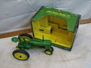 "Ertl John Deere Model ""H"" Tractor with Box Die Cast 1/16th scale 15034 Farm Toy"