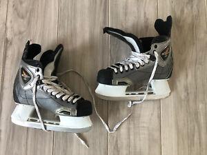 CCM Vector 3.0 Mens Size 7 Ice Hockey Skates Silver & Black