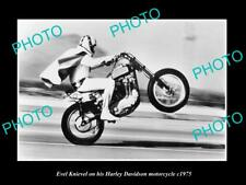 OLD LARGE HISTORIC PHOTO OF EVEL KNIEVEL ON HIS HARLEY DAVIDSON MOTORCYCLE c1975