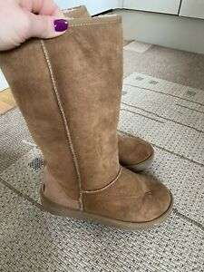 Chestnut Brown Ugg Australia Boots, Size Uk5