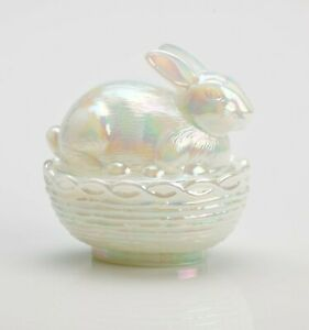 MOSSER GLASS VINTAGE STYLE COLLECTIBLE GLASS BUNNY ON BASKET OPAL WHITE