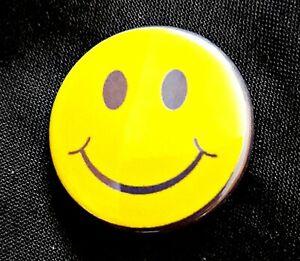 "Smiley Badge 1"" Button Badge comic  humour feelgood Smile 1"