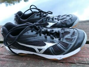 Mizuno Wave Hurricane Volleyball Shoes Women's Size 9 Black and White