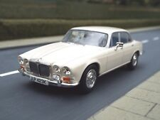 1/43 Scale Daimler Sovereign (old english white) by Vanguards VA08801