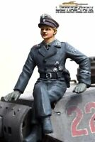 Deutscher Kommandant  Figur Wittmann sitzend  hochwertig hand bemalt 1:16