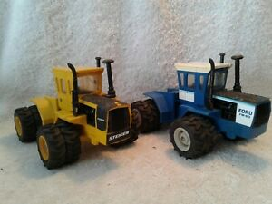 2 Plastic 1/32 Ertl 4WD Tractors  Industrial Yellow Steiger Panther & Ford FW 60