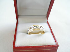 LADIES- 10K Two Tone Gold 'Etched' Solid Band