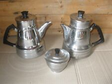 Lot 2 cafetieres anciennes + sucrier ancien