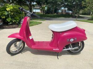 Razor Pocket Mod Miniature Daisy Retro Scooter -Hot Pink