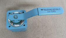 PARKER, TELEDYNE REPUBLIC LO-TORQ SELECTOR VALVE 8111E-1/4HS2