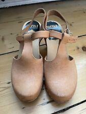 Swedish Hasbeens High Tan T-bar Leather Clogs Sz 37