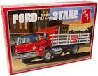 AMT1147 1/25 Ford C600 Stake Bed w/Coca-Cola Machine AMT