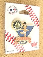 2007 Seattle Mariners Baby New Year's lapel pin