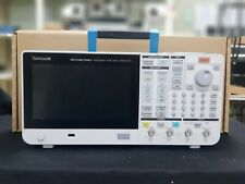 Tektronix AFG31152 150 MHz, Dual Channel, 2 GSa/s, Arbitrary/Function Generator