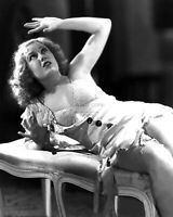 """FAY WRAY IN THE FILM """"KING KONG"""" - 8X10 PUBLICITY PHOTO (AB-790)"""