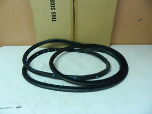 New OEM 1997-1999 Ford Expedition Front Door Window Weatherstrip Assy Seal Left