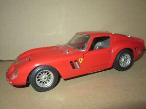 900Q Burago No 3011 Italie Ferrari 250 GTO 1962 Rouge 1:18