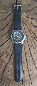 VINTAGE CASIO AD-520 DIGITAL & ANALOGUE DIVER, 100M WATER RESISTANT.WORKING