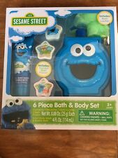 Sesame Street Cookie Monster 6 Piece Bath Body Set Decanter Loofah Bubble Fizzie