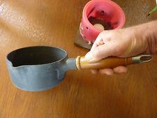 Casserole STAUB n°14 en fonte et manche bois (Made in FRANCE) - Jamais servi