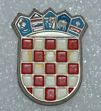 Croatia Croatian Army crest coat of arms 90s war time hat badge rare