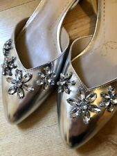 Clarks Somerset Silver Flats Sandals Size 6 New