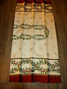 LINEN N' THINGS CHRISTMAS HARMONY HOLLY BERRIES (1) OBLONG TABLECLOTH 60 X 104
