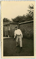 PHOTO ANCIENNE - SPORT GOLF GOLFER GANT BALLE - MAN CURIOSITY - Vintage Snapshot