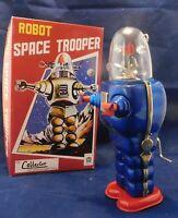 Robot mécanique en tôle. ROBOT SPACE TROOPER. Modèle bleu roi. Ht 25 cm - neuf