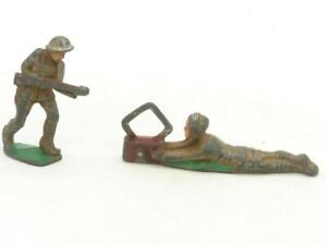Lot of 2 Manoil Lead Soldiers Radio Operator Rifle Soldier