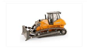 Case Construction 2050M XLT Crawler Dozer 1/50 Die-Cast Metal Replica Toy