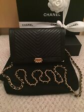 NWTs 100% Auth. 2018 CHANEL Boy WOC Caviar Black Chevron Wallet/Clutch w Chain
