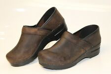 Dansko MISMATCH Womens 38 / 39 NEW Professional Oiled Clogs Shoes 206780202 cp
