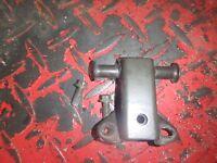 2000 Yamaha YZF 600R YZF600R 600 R FUEL TANK GAS TANK MOUNT BRACKET BRACKETS