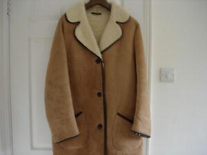 Ladies Sheepskin Coat Size 14/16