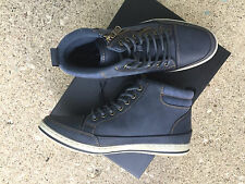 Report Navy Zachh shoe New in Box 10 Size